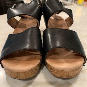 Dansko platform sandals size 9